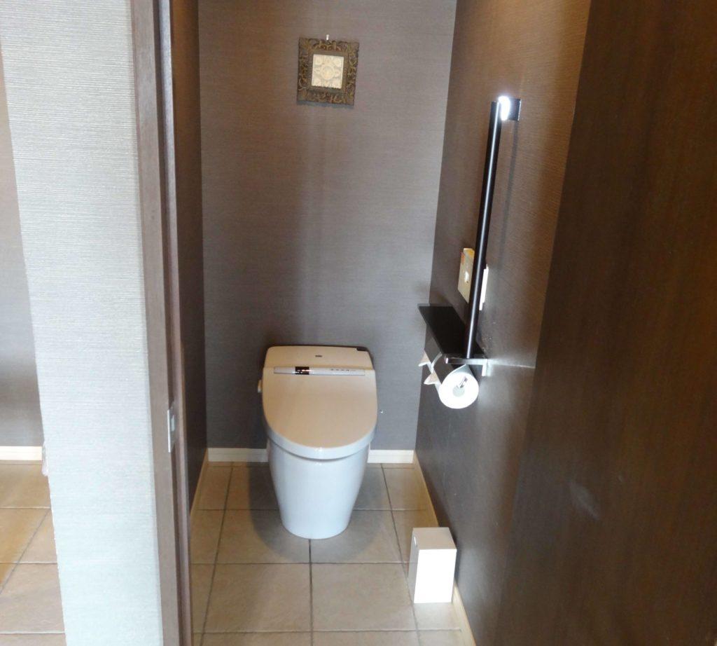 プレミアムスイートのトイレ