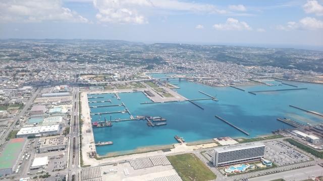 上空から見る糸満漁港