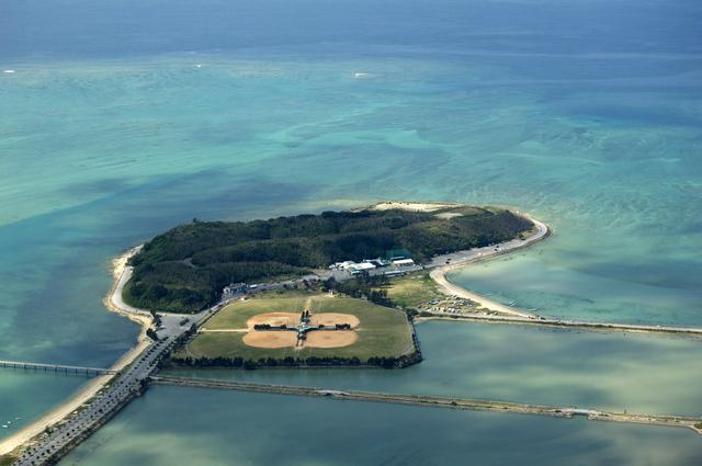 上空から見る瀬長島