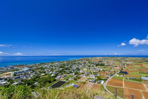伊江島タッチューの頂上