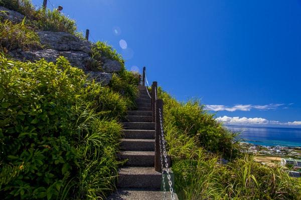 伊江島タッチューの階段